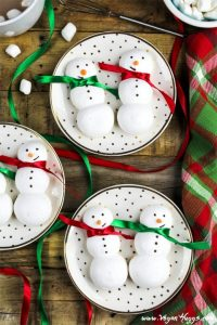 Vegan Meringue Snowmen